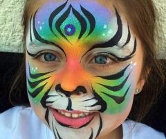 Tiger face paint deaign